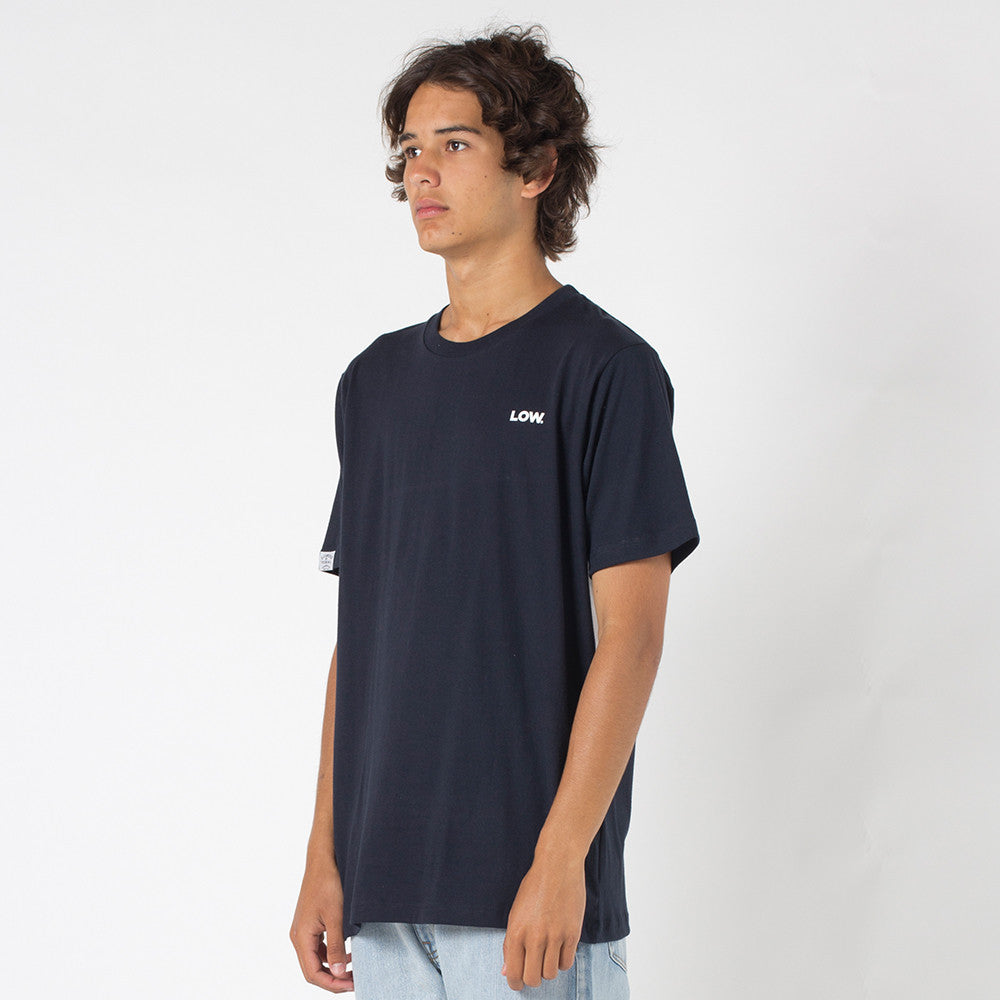 Lower Roy Tee / LOW in Navy/White