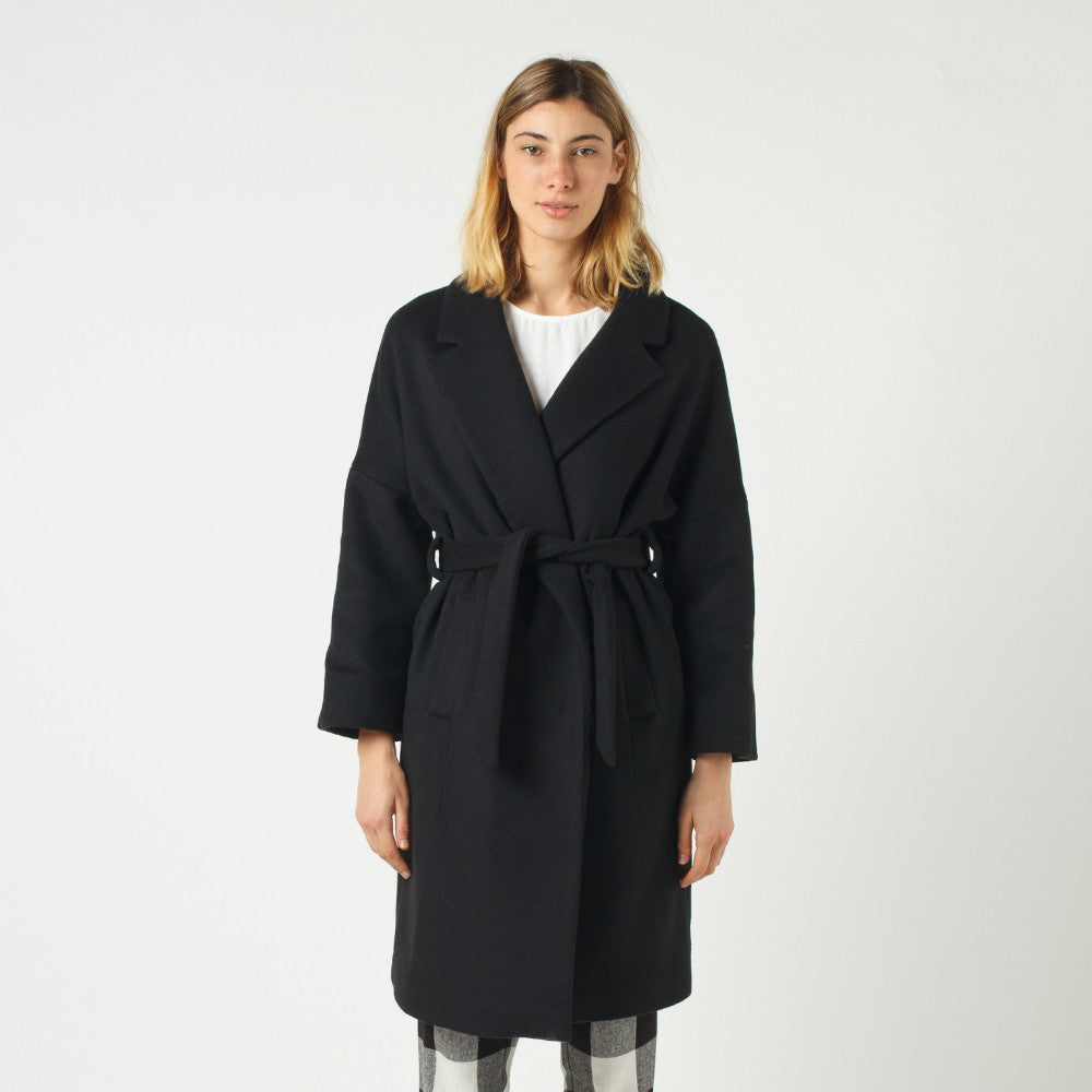 Lower Hugo Coat / Black