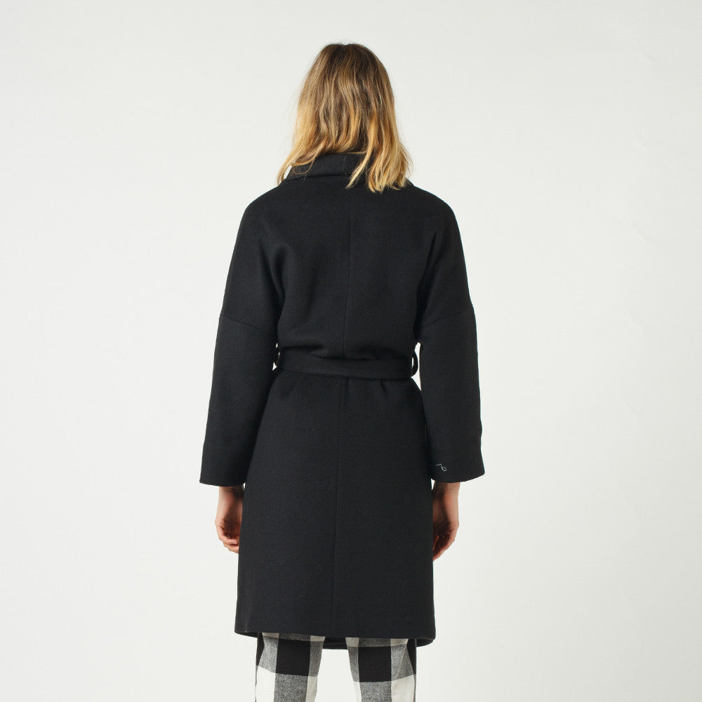 Lower / Hugo Coat in Black