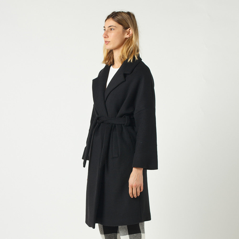 Lower Hugo Coat (Black)