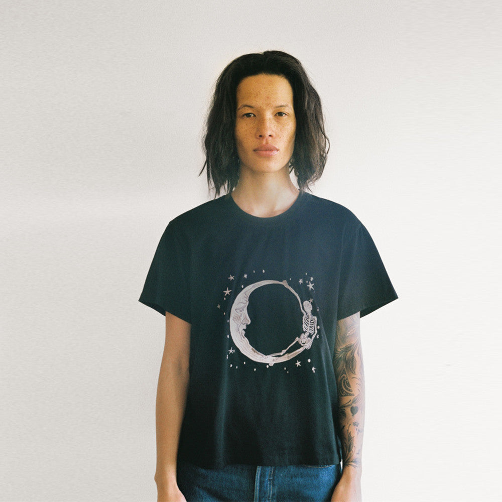 Lonely Paper Moon Tee (embroidered) Black