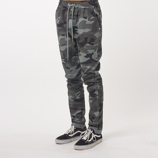 Federation Passenger Pant in Army
