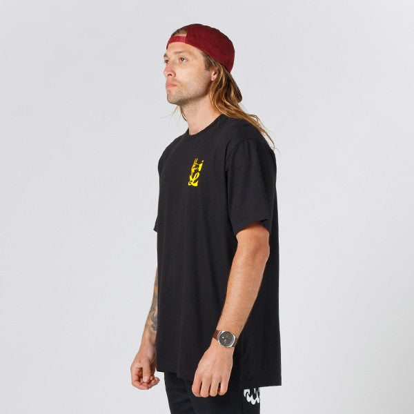 Lower QRS Tee / Take Out in Black