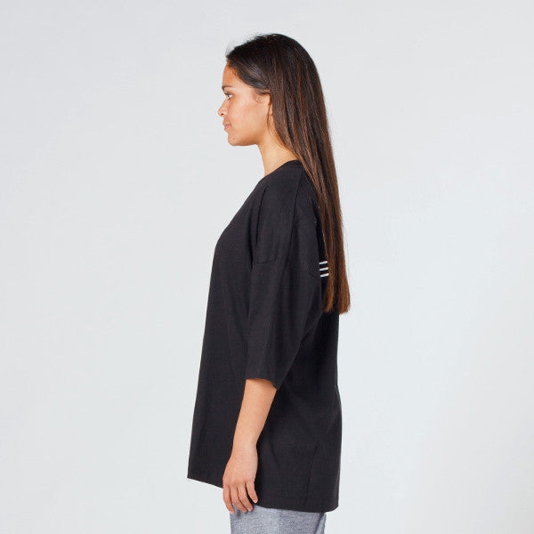 Lower Slouchy Drop Tee / Licorice (Embroidered) Black