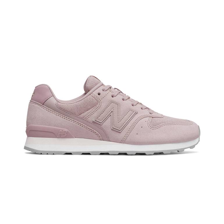 New Balance 996 Suede in Pink/Cream