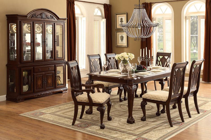 Norway Traditional Dining Room Collection