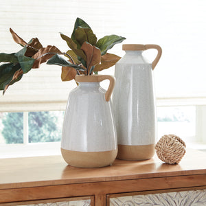 Tilly Outdoor Safe Ceramic Vase Set