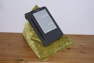 Gold Techbed Netflix movies in bed tablet stand iPad pillow kindle cushion arthritis sore fingers sore thumbs parkinsons read watch tablet stand aid