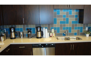 Oasis Fogline Textured Matte 4x8 Glass Tile - this gray kitchen tile installation can be used for kitchen, backsplash, bathroom, shower, residential floor, or pool installations.