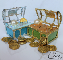 Load image into Gallery viewer, [REVAMPED] Treasure Chest Surprise Bath Bomb-Celine XO