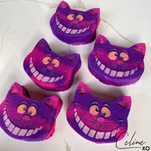 Load image into Gallery viewer, Grinning Cat Bath Bomb-Celine XO