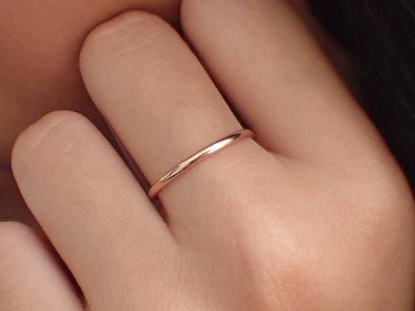 1.5mm Simple Thin Plain Wedding Band, 14k Solid Gold Smooth Plain Band, Thin Dainty Band, Stackable Gold Band