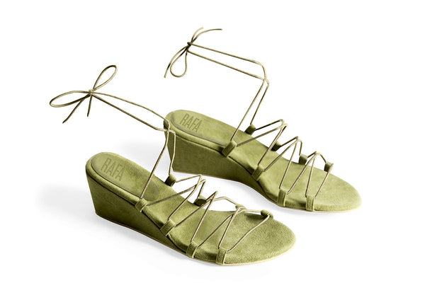 The Bungee Wedge Vegan Sandal - Vert