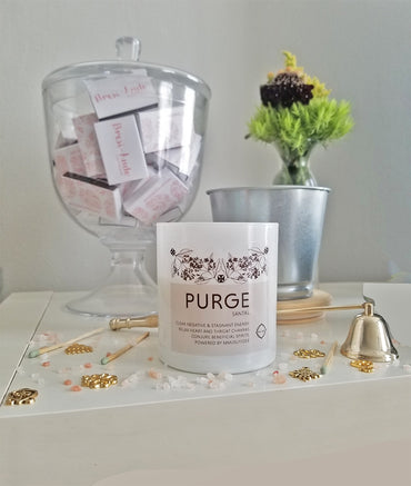 The PURGE candle - Santal