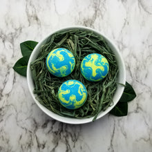 Load image into Gallery viewer, Coconut Lime Verbena Bath Bomb