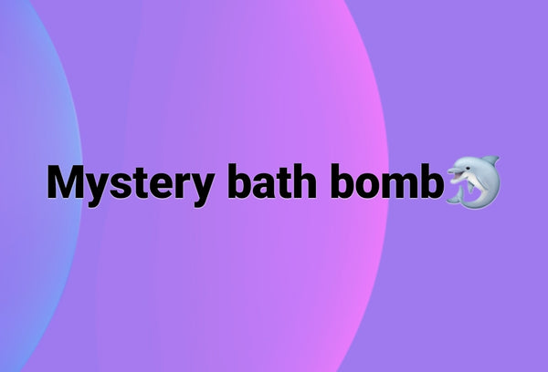Mystery bath bomb with pendant inside