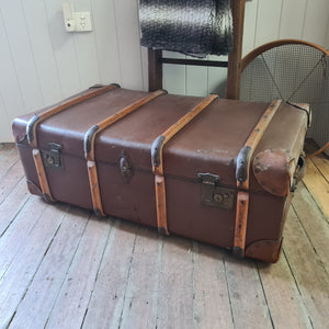 Ribbed Steamer Trunk