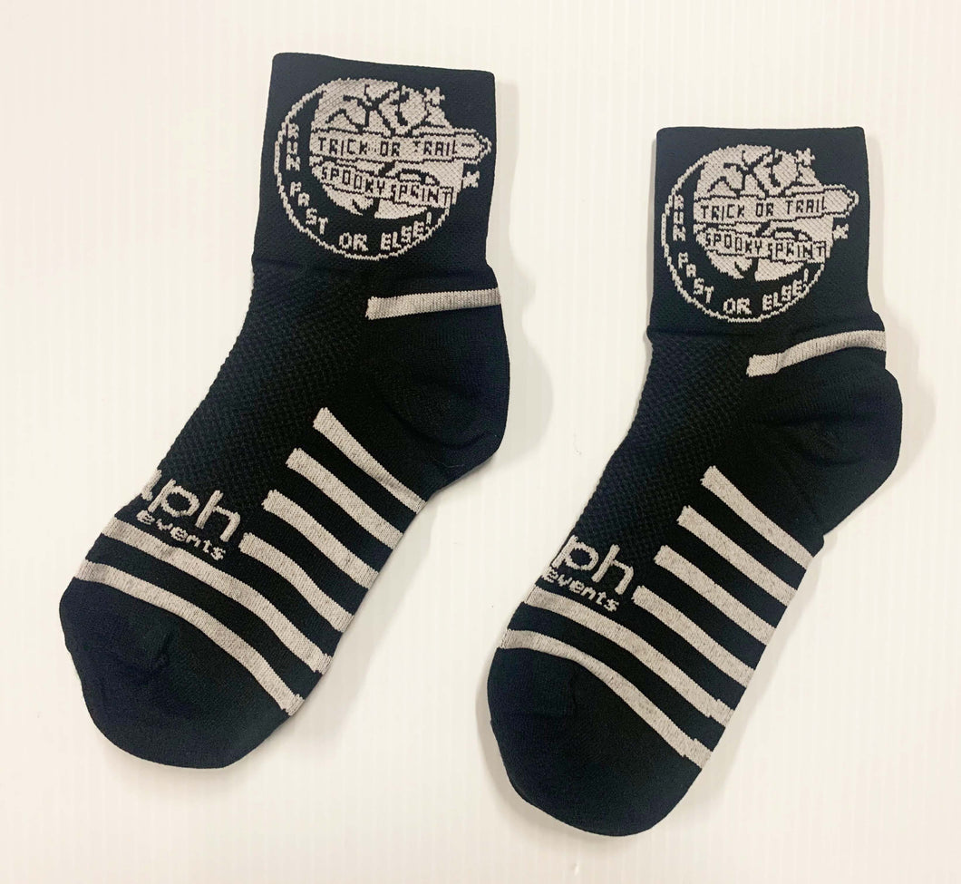 Trick or Trail socks Black and White