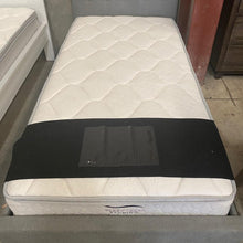 Load image into Gallery viewer, Posture Deluxe Single Mattress