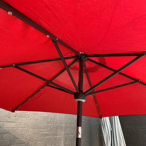 Umbrella round 2.7m Red - Tilt/Crank/Solar (does not include base)