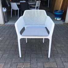 Load image into Gallery viewer, Bailey Outdoor Chair - White with cushion
