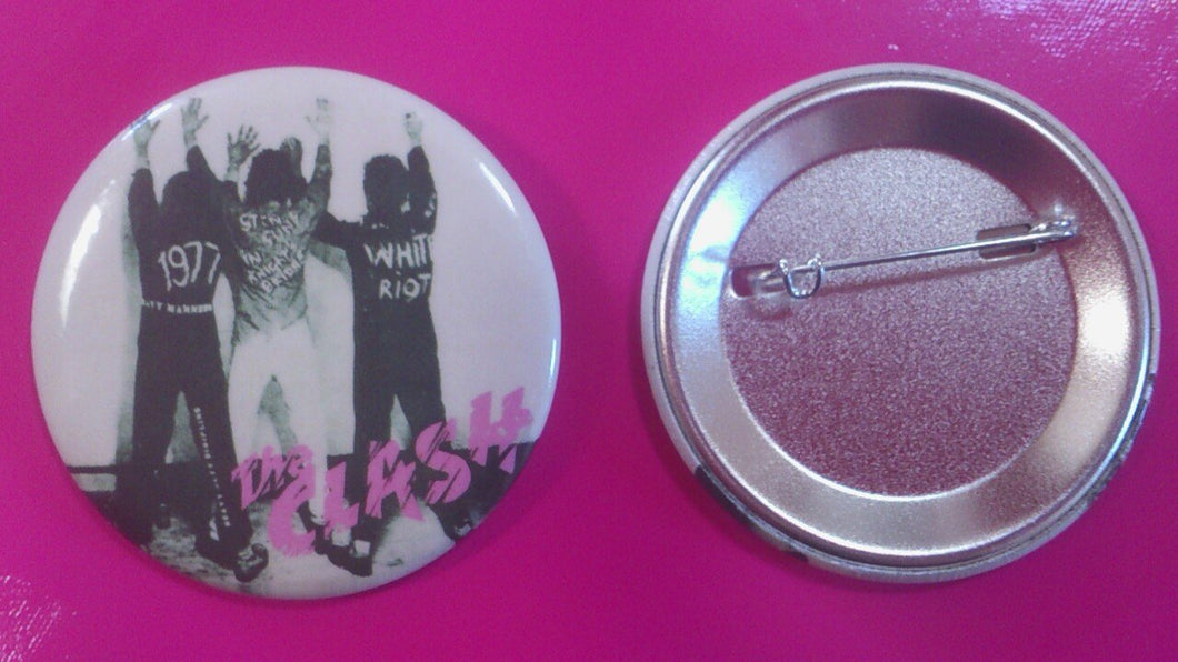 The Clash - White Riot metal punk badge 55mm