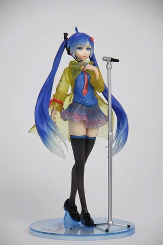 23cm Hatsune Miku with mike Anime Collectible Action Figure Toys