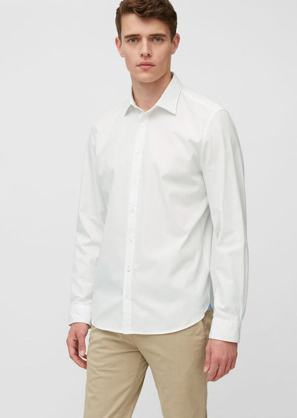 A flattering crisp white shirt, perfect for a date night in Dublin