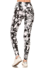 "Load image into Gallery viewer, B/W Tie Dye - 5"" Yoga Band Leggings"