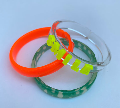 Bracelets Mix - Neon Orange + Smile + Green Print -  Lilies & Roses NY