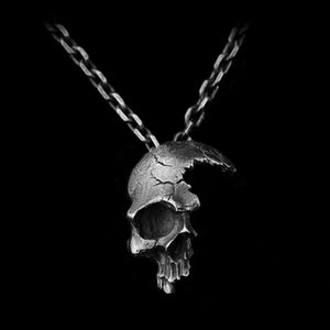 Broken Damaged Half Face Skull Pendant Necklace Men's Fashion Biker Rock Punk Jewelry Antique Silver Color, Chain length 45cm