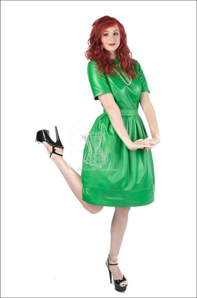 Short Sleeve Dress With Inset Waistband And Pleats Overbust