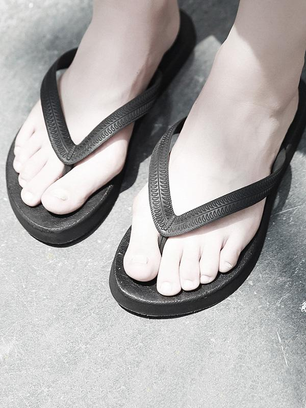 Nice Simple Flip-flops Slipper