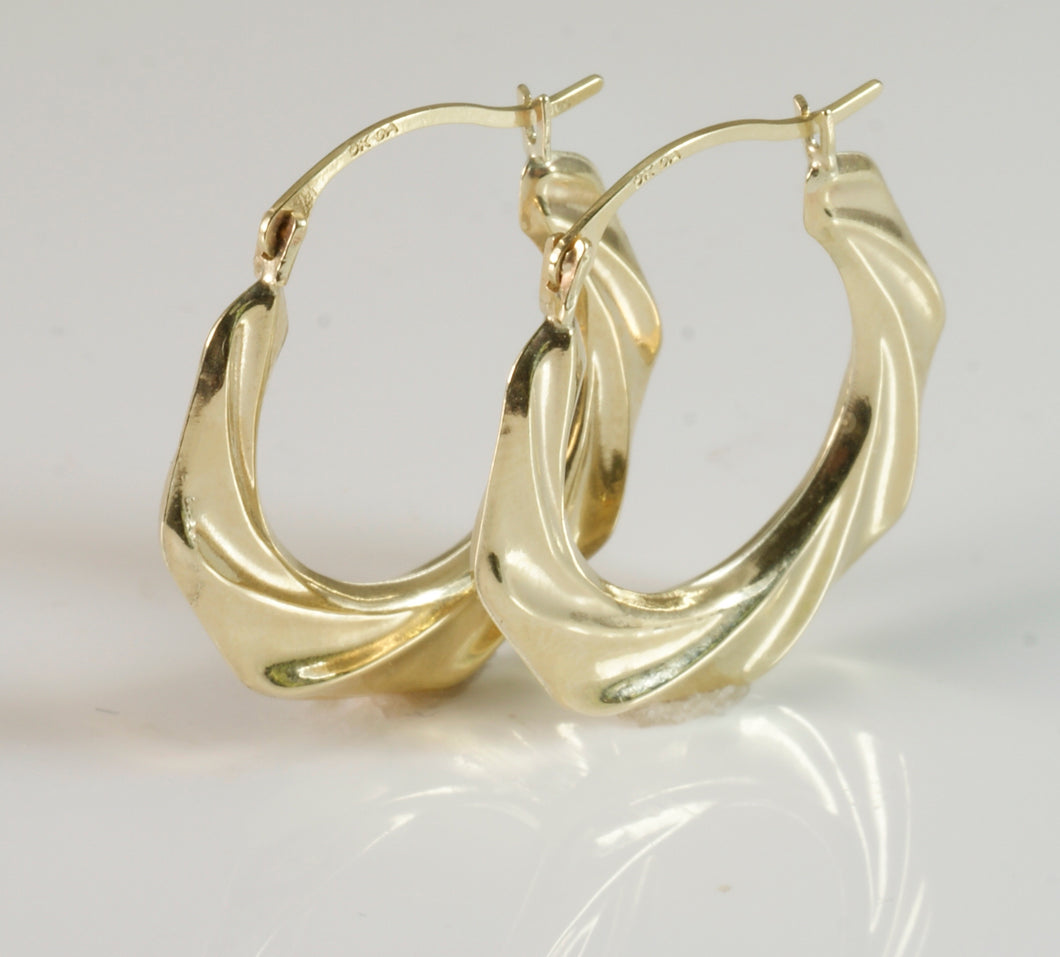 9ct Round Folded Tube Creole Earring small