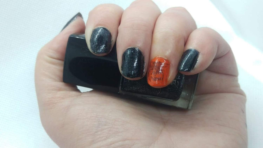 Welcome to Nail Polish Life! Spooky Nails Inside, Enter If You Dare!