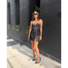 Load image into Gallery viewer, Alice + Olivia Black Corset Dress