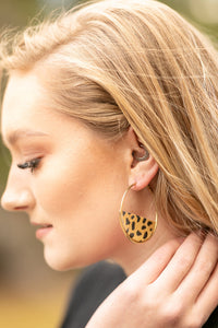 Stay Wild Earrings In Cheetah