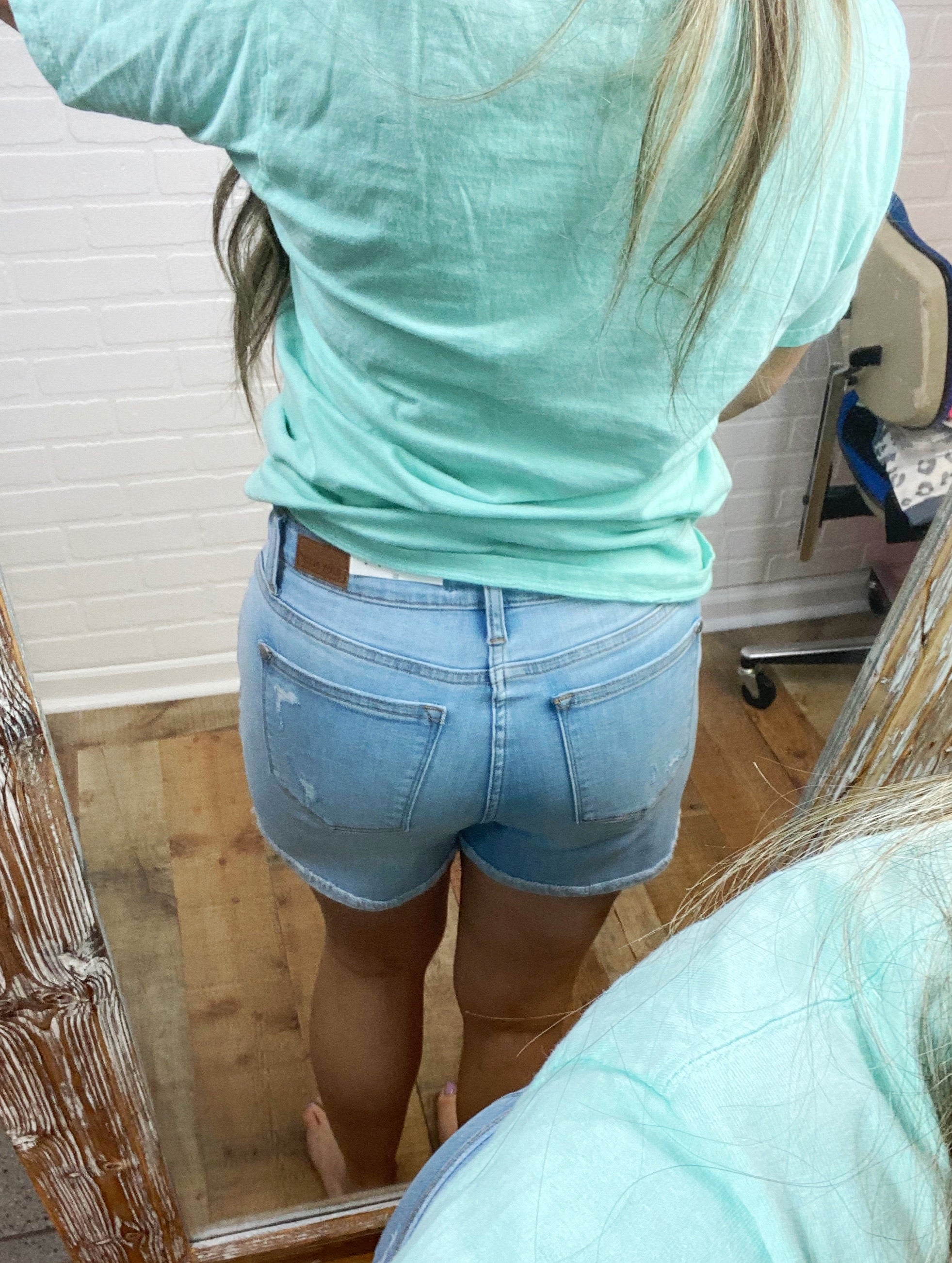 Light Wash Button Destroyed Cuff Judy Blue Shorts