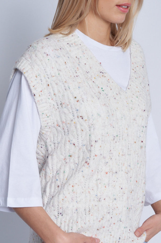 TANSY KNITTED VEST