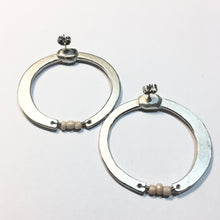 Load image into Gallery viewer, CYCLIC earrings