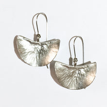 Load image into Gallery viewer, MOONSONG earrings