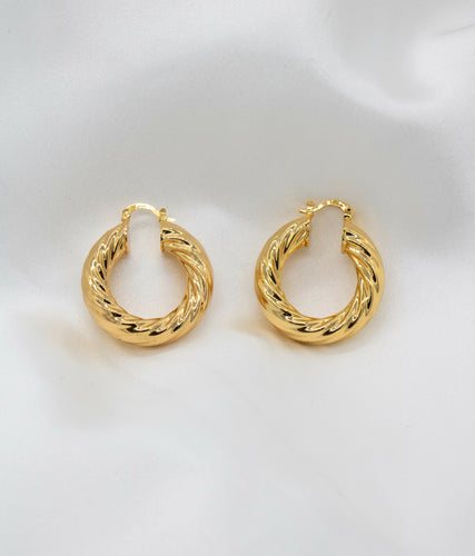 hoops, gold, earrings, accessorize, accessories, jewelry
