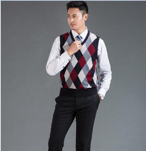 High quality mens fashion argyle intarsia sweater vest male casual v-neck contrast colors plaid pattern wool vest-ivroe