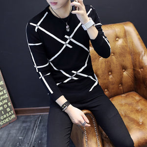 Autumn and winter new men's sweater teenager Slim round neck men's sweater Korean Slim Striped Sweater 111-ivroe