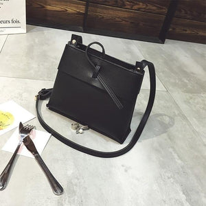 Free shipping, 2018 new women handbags, fashion flap, Korean version shoulder bag, retro woman messenger bag, trend bucket bag.-ivroe