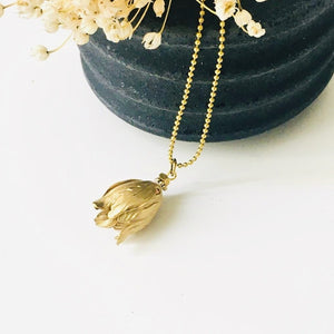 ART GIFT | Golden tulip ball chain