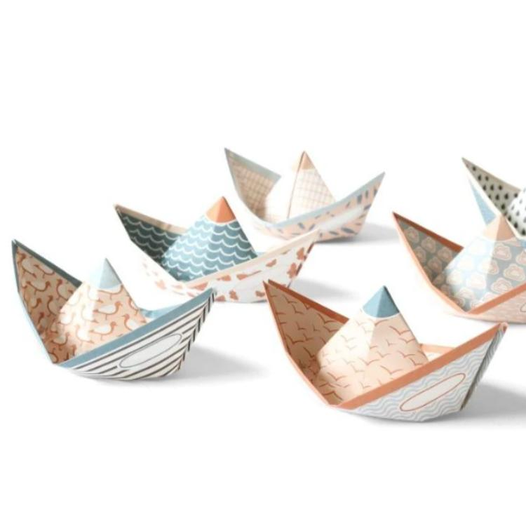 art gift: paper boats you can fold yourself in pastel colors