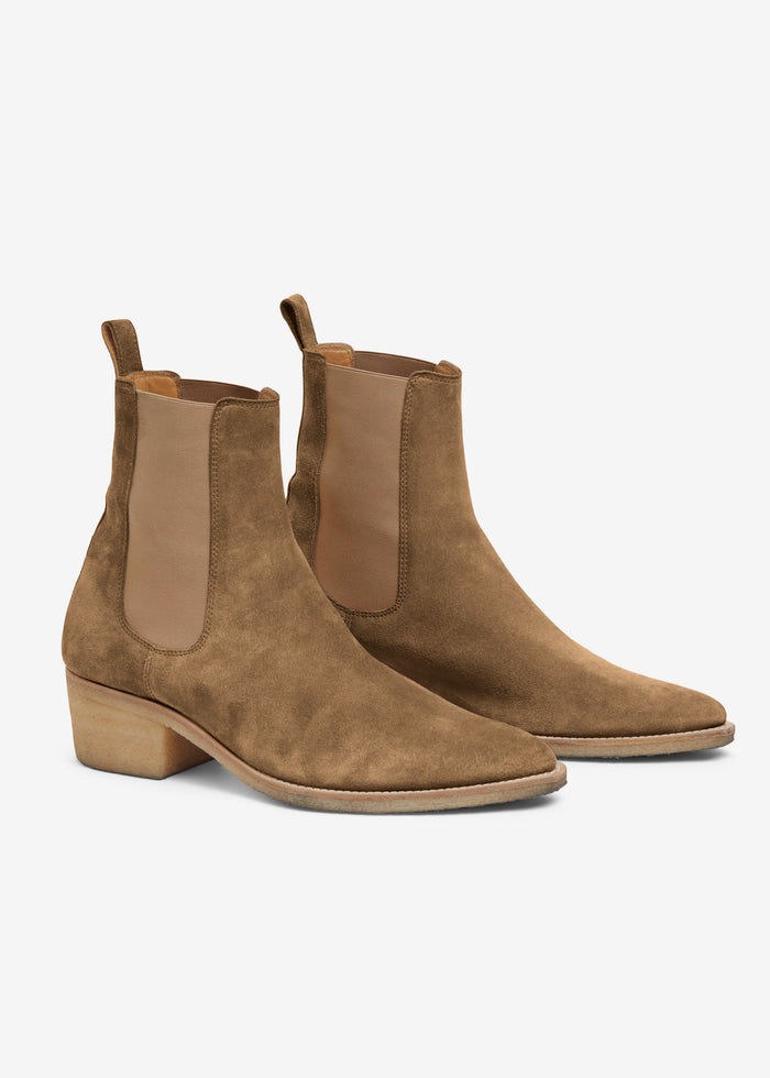 Crepe Pointy Toe Chelsea Boot - Fango