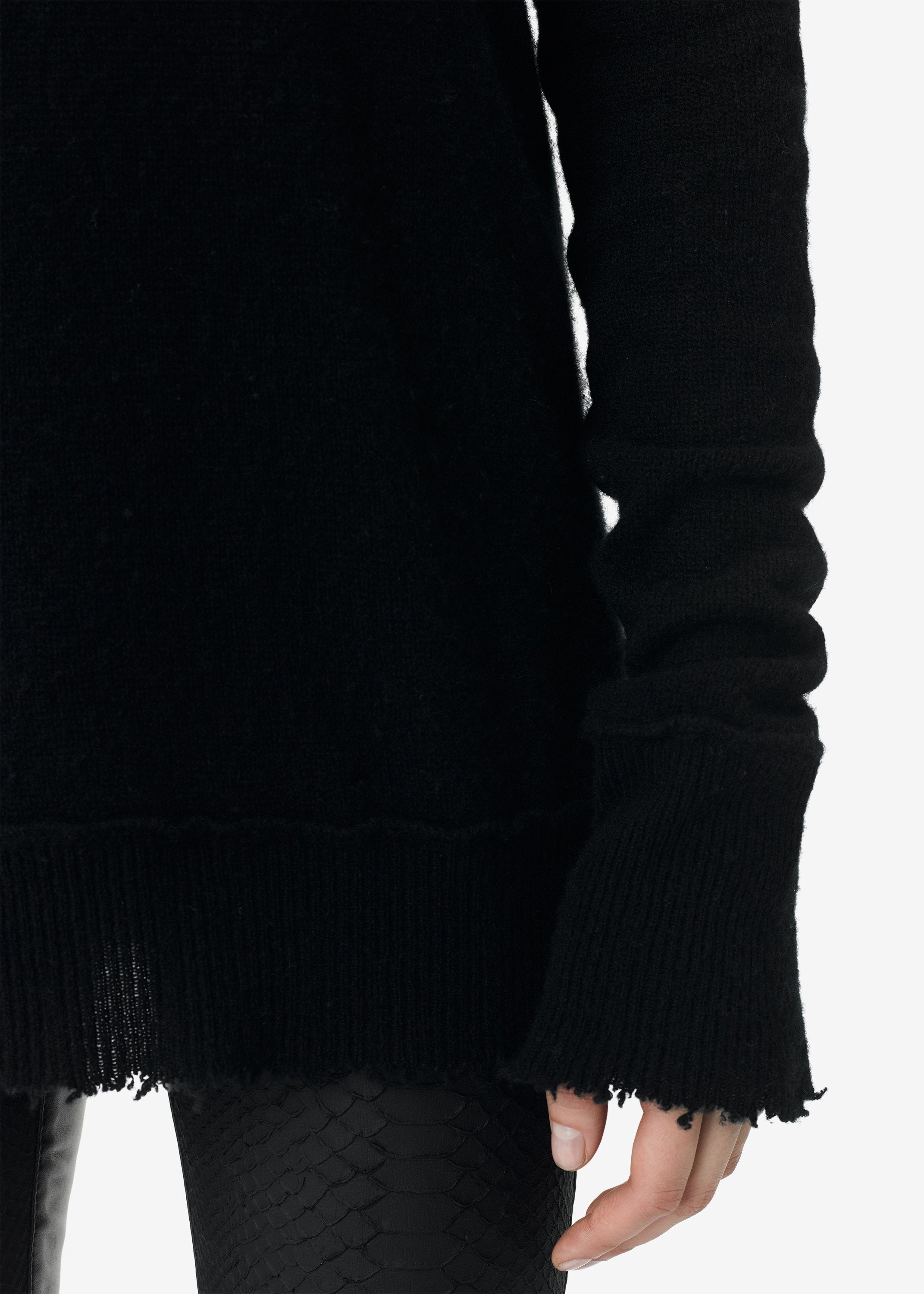 turtleneck-knit-black-image-3