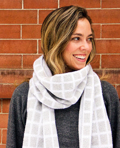 100% Merino Grid Scarf - Machine Washable - Heather Gray